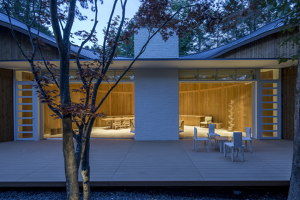 Shishi-Iwa House | Hotels | Shigeru Ban Architects