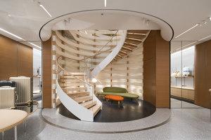 Rimowa Flagship Store in Tokyo | Negozi - Interni | Labvert