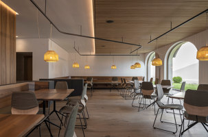 ZENTRAL Café & Restaurant | Café interiors | Messner Architects