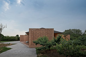 Courtyard Villa | Detached houses | ArchStudio