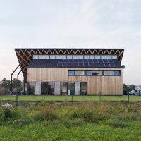 House Behind the Roof   Detached houses   Superhelix Pracownia Projektowa