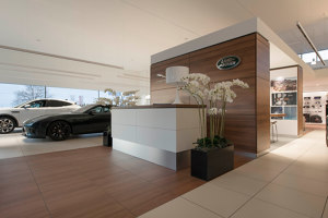 Jaguar Land Rover Corporate Design Floor | Manufacturer references | ArsRatio