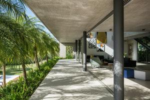 DMG Residence   Detached houses   Reinach Mendonça Arquitetos Associados