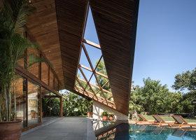 Cliff Front 7 (Carbon House) | Case unifamiliari | Alexis Dornier