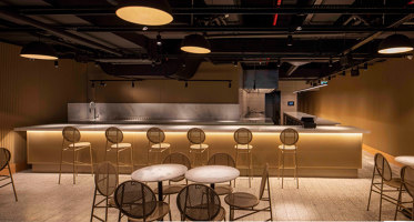Zula Zorlu | Bar interiors | Urbanjobs