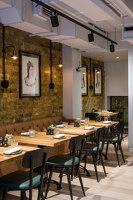 Hans' Bar & Grill | Bar interiors | Epicurean