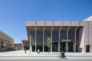 Zuidplein Theatre | Theatres | De Zwarte Hond