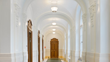 Chandeliers, Entrance and corridor luminaires for Swiss National Bank | Manufacturer references | BURRI