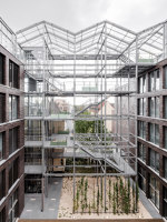 Administration Building with Rooftop Greenhouse | Office buildings | KUEHN MALVEZZI