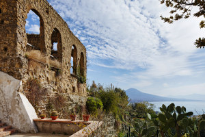 Former monastery ruin in Naples | Manufacturer references | Kaldewei