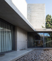Floating Courtyard | Detached houses | TAOA