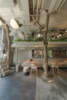 OM NOM NOM vegan cafe | Café interiors | replus design bureau