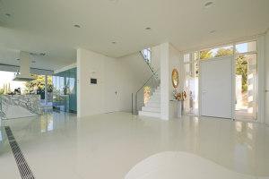 Villa am Meer // zargenlose Türen   Manufacturer references   ComTür