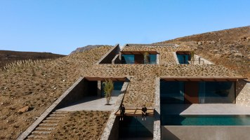 Ncaved House | Detached houses | Mold Architects