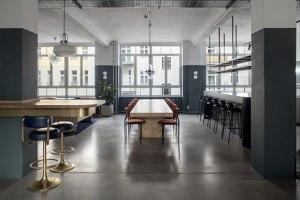 AirHelp Berlin Headquarters | Office facilities | Frédéric Fourrichon Architecture + Alejandra Albarrán Art Direction
