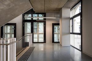 University Library | Referencias de fabricantes | Jansen