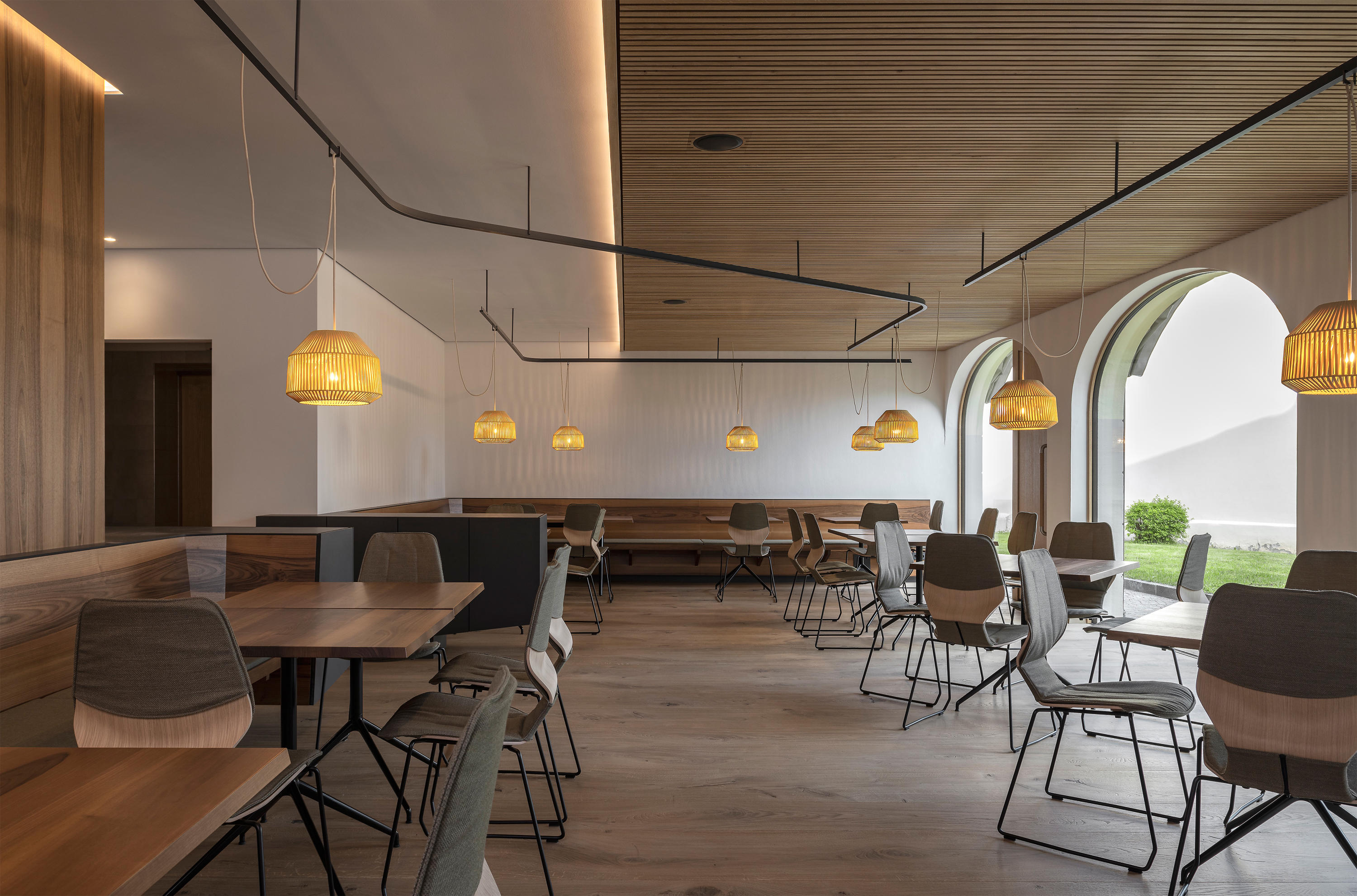 Zentral Cafe Restaurant By Messner Architects Cafe Interiors