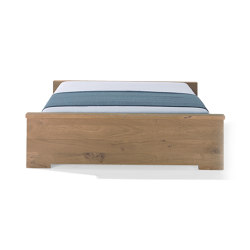 Moonwalker solid wood bed | Beds | Richard Lampert