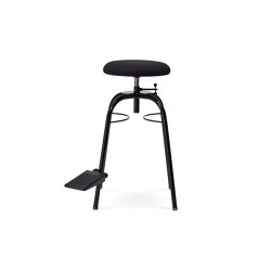 Bass Travel Stool | Model 7101208 | Stools | Wilde + Spieth