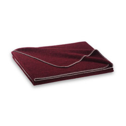 Alina Blanket blackberry | Mantas | Steiner1888