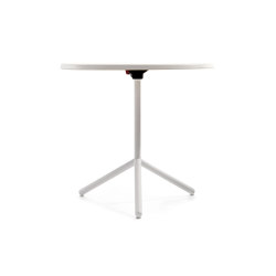 Nett T | Side tables | Crassevig
