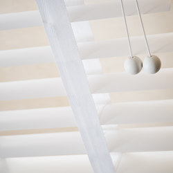 Venetian Blinds | Translucent | Cord operated systems | Ann Idstein