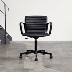 Butterfly Swivel - Black Edition | Chairs | Magnus Olesen