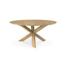 Circle | Oak dining table - varnished | Tavoli pranzo | Ethnicraft