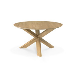 Circle | Oak dining table - varnished | Dining tables | Ethnicraft