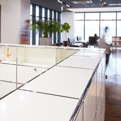USM Haller Reception Station | Pure White | Counters | USM
