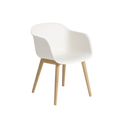 Fiber Armchair | Wood Base | Sillas | Muuto