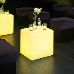 Cube LED Pro Accu | Mesas auxiliares | Moree