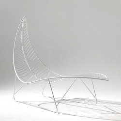 Leaf Chair on Base stand | Sun loungers | Studio Stirling