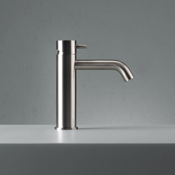 Source | Stainless steel Deck mounted mixer | Wash basin taps | Quadrodesign