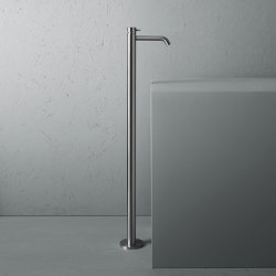 Source | Stainless steel free standing mounted mixer | Wash basin taps | Quadrodesign