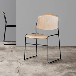 Pause Runner | Chairs | Magnus Olesen