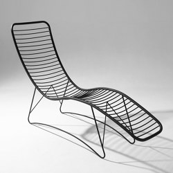 Pod Lounger / Daybed on Base stand | Tumbonas | Studio Stirling
