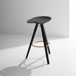 Theo Tractor Bar Stool | Taburetes de bar | District Eight