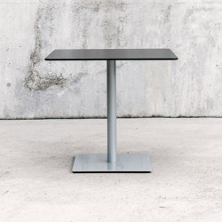 Punto table | Bistro tables | ENEA