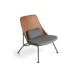 Strain easy chair | Armchairs | Prostoria
