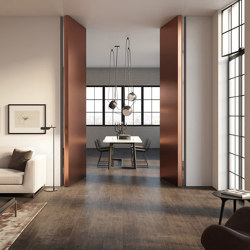 Brezza | Filo 10 Vertical Pivot door | Internal doors | Linvisibile