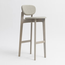 Zenso Bar Fully upholstered seat and padded back | Bar stools | Zeitraum