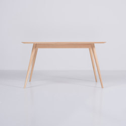 Stafa table | 140x90x75,5 | Tables de repas | Gazzda