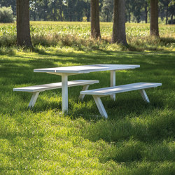 BuzziBreeze | Dining tables | BuzziSpace