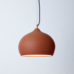 Terracotta Medium (Unglazed) | Lámparas de suspensión | Hand & Eye Studio