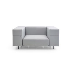 Walrus club chair with 80 cm wide seating | Armchairs | extremis