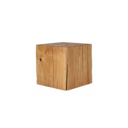 Putnam Oak Cube Table | Mesas auxiliares | Pfeifer Studio
