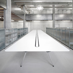 HI-MACS® | Office Desktops for Architecture Office Hemmi Fayet | Tables collectivités | Rosskopf + Partner