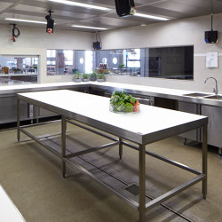 Neolith | Surface for show kitchen Kutchiin | Cocinas isla | Rosskopf + Partner