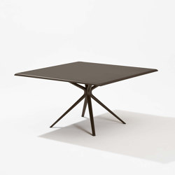 Moai square table | Dining tables | Fast